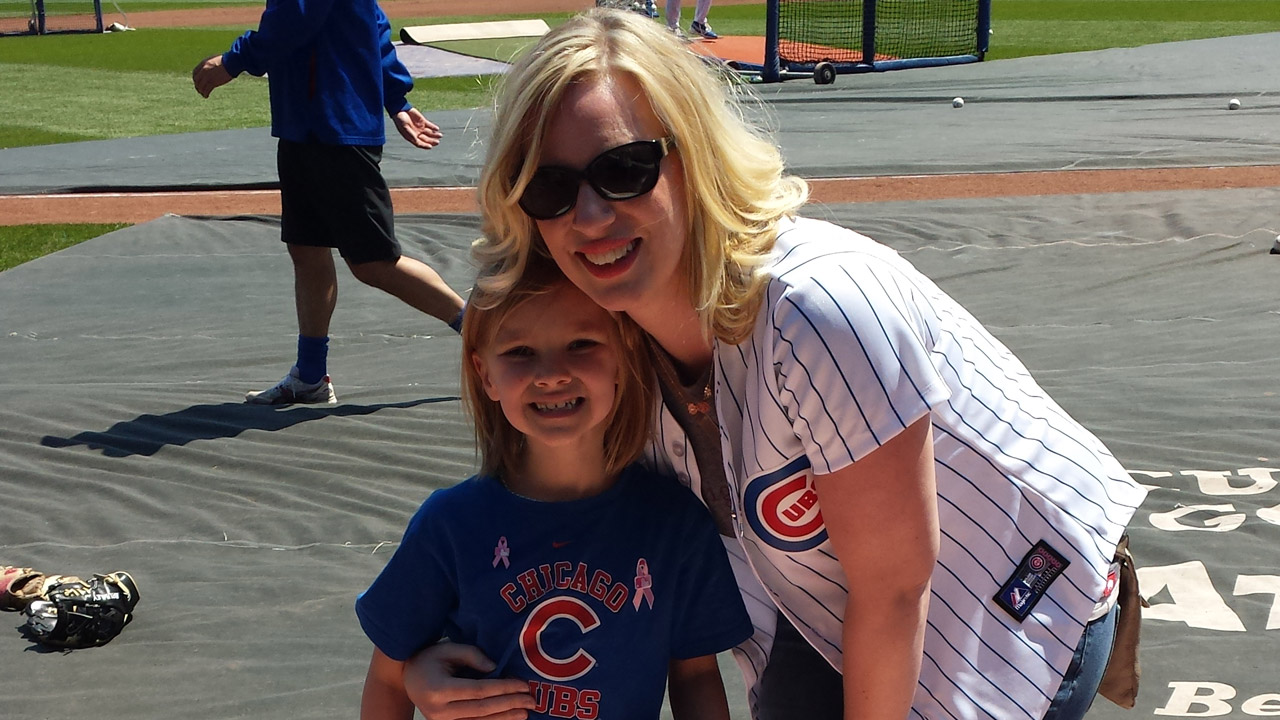 Cubs welcome Honorary Bat Girl to Wrigley Field
