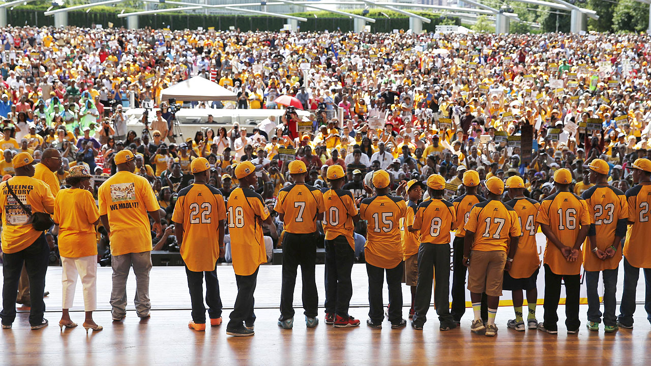 Part of rally, Epstein lauds JRW, organizers