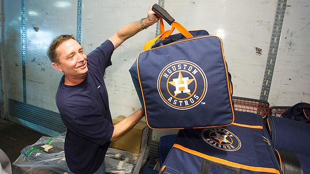 Astros' spring truck begins trek to Florida