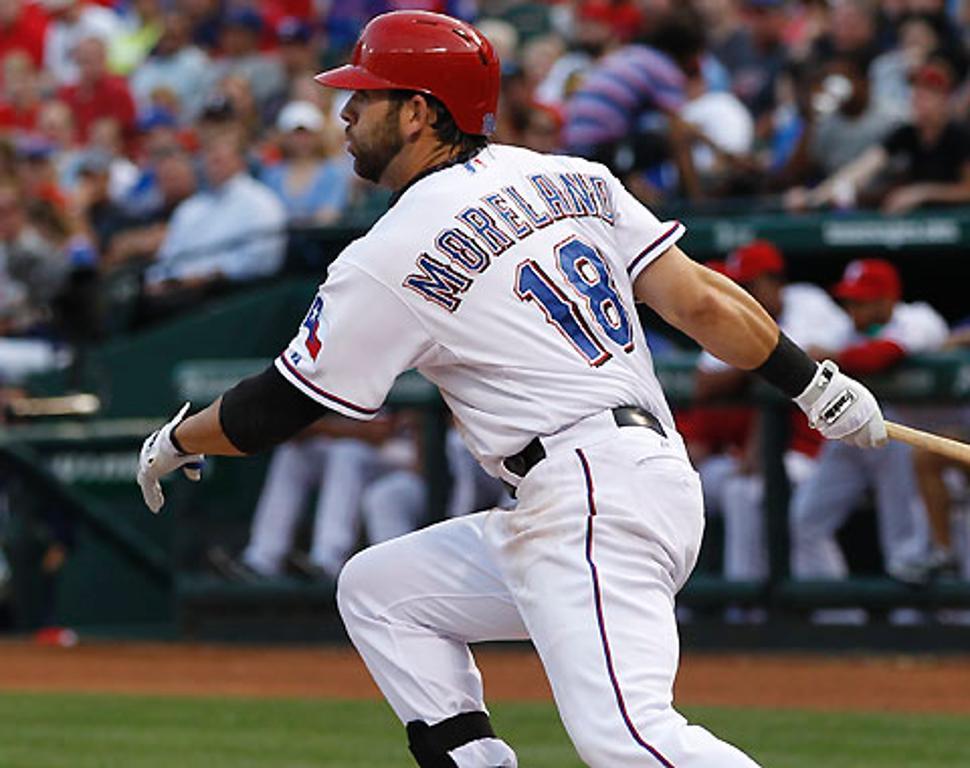 Rangers activaron al primera base Mitch Moreland