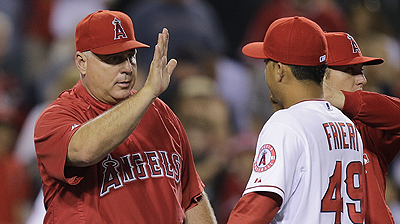 Scioscia joins elite club with 1,200th win