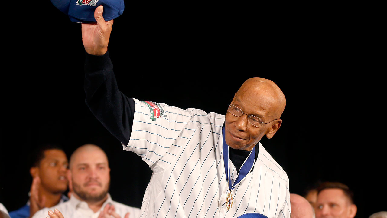 Love of learning hasn't faded for Cubs legend Banks