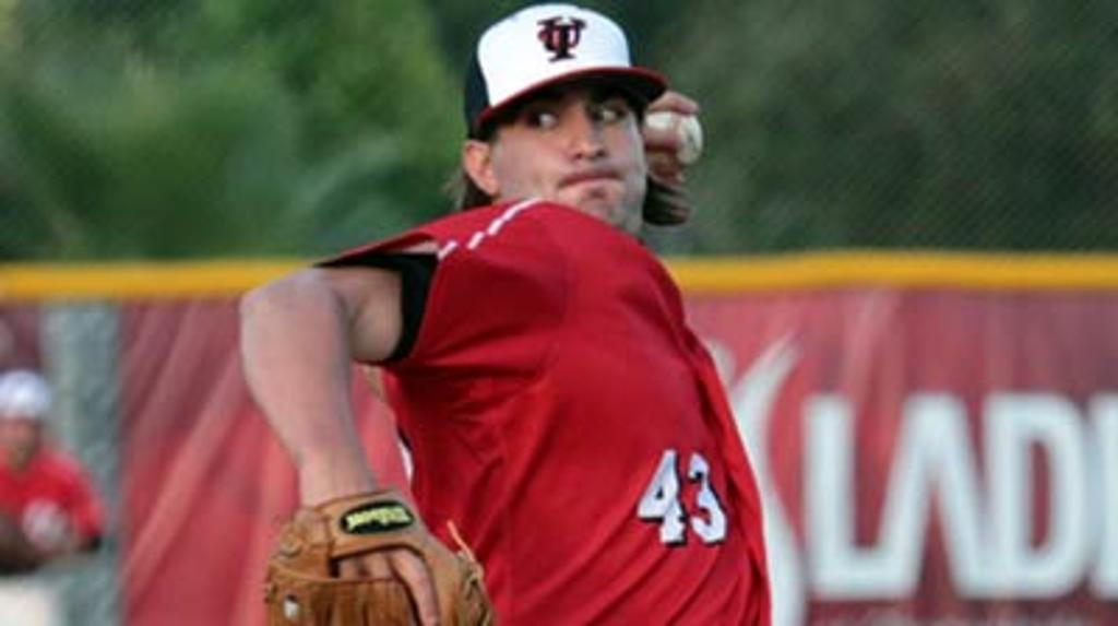 College arm Adams offers Red Sox solid mix