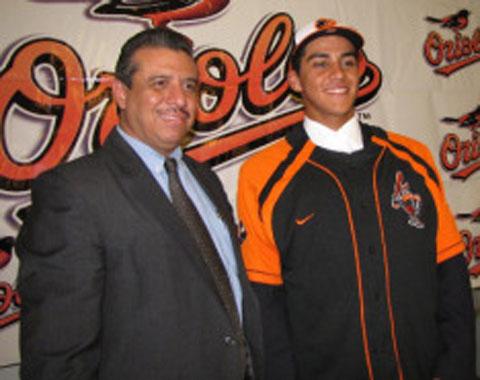 Orioles firman al guatemalteco Juan Diego Montes