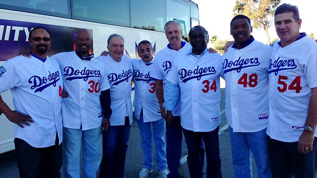 Dodgers alums kick off caravan painting murals