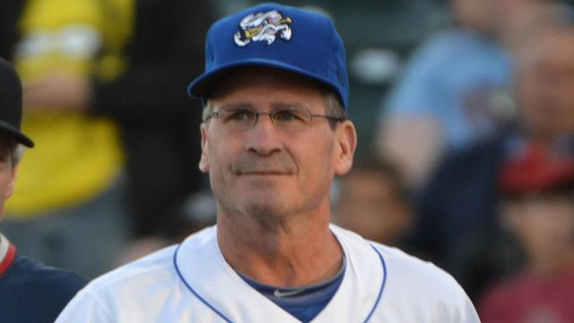 Royals add Wakamatsu, Jirschele to staff
