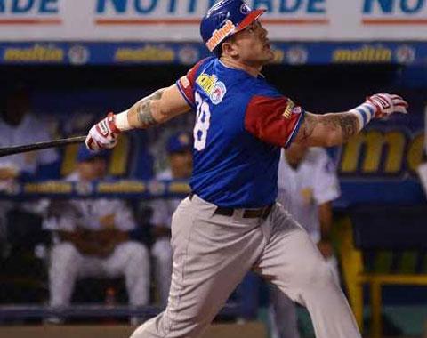 LVBP: Alex Cabrera se acerca a un jonrón del récord