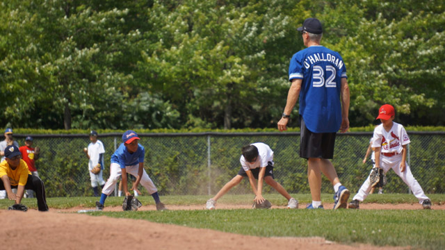 MLBPAA hosts first Legends for Youth clinic in Canada