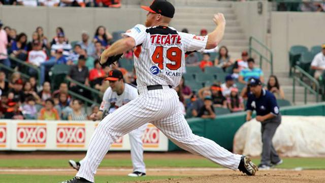 Enright tries to revive career in winter ball