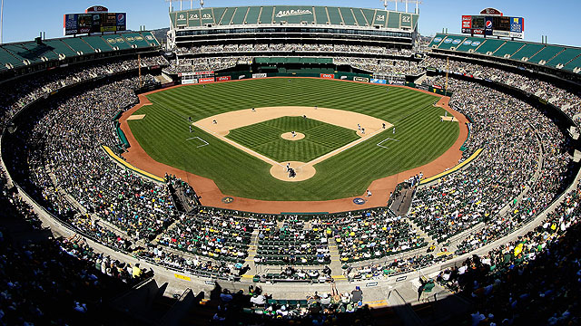Drainage creates postgame issue for A's, Mariners
