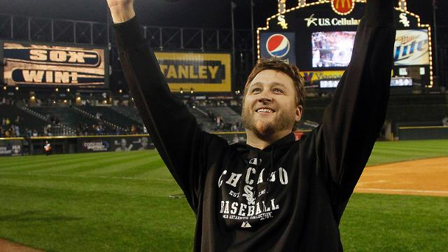 Chicago White Sox starting pitcher Mark Buehrle acknowledges the crowd after a baseball game and Sox's 2-1 win over the Toronto Blue Jays Tuesday, Sept. 27, 2011 in Chicago. (AP Photo/Charles Rex Arbogast)