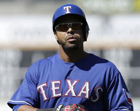Rangers anotan más sin el dominicano Nelson Cruz