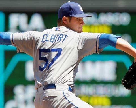 Dodgers pactaron con Elbert, Baxter y Butera