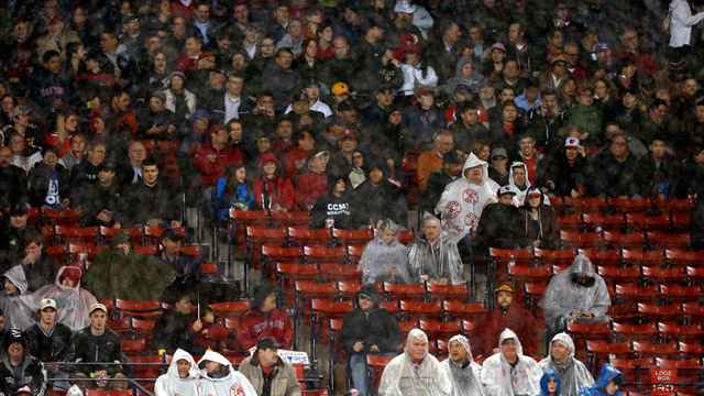 Red Sox sellout streak comes to an end
