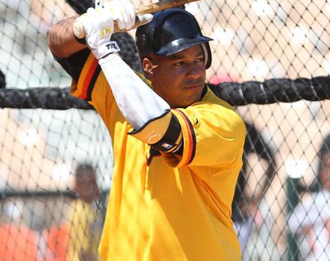 Manny se alista para campaña completa con Aguilas