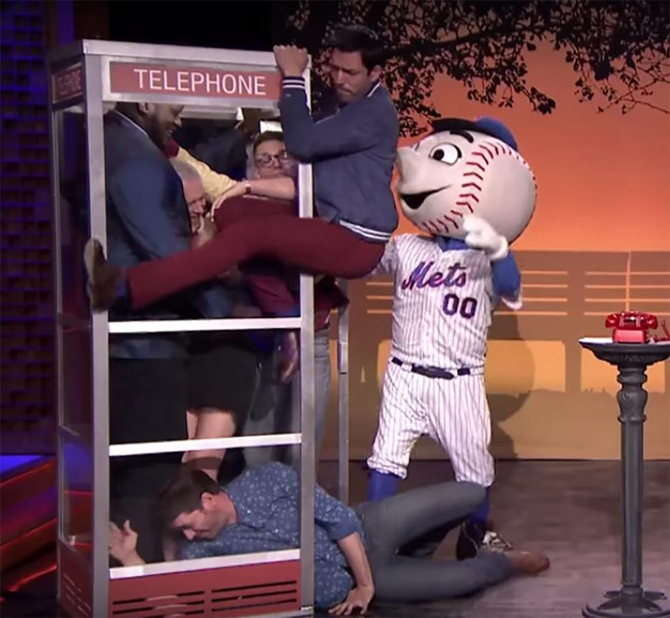 new style 95ded b908a Mr. Met appears on Tonight show during 'Phone Booth' | MLB.com