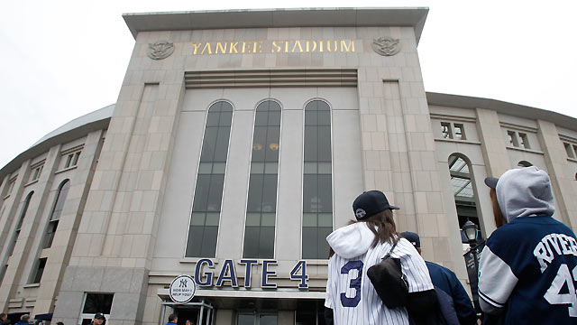 Yanks, Sox dedicating Opening Day to Newtown