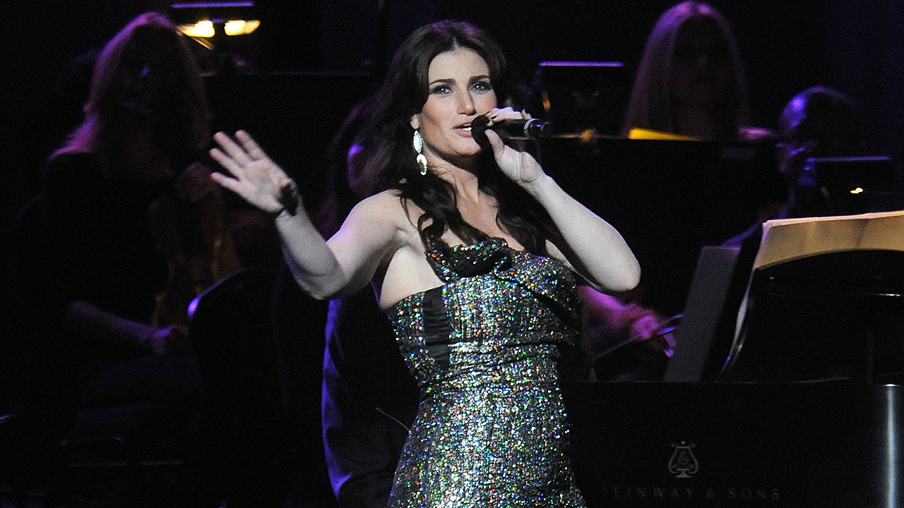 Aloe Blacc, Idina Menzel All-Star performers