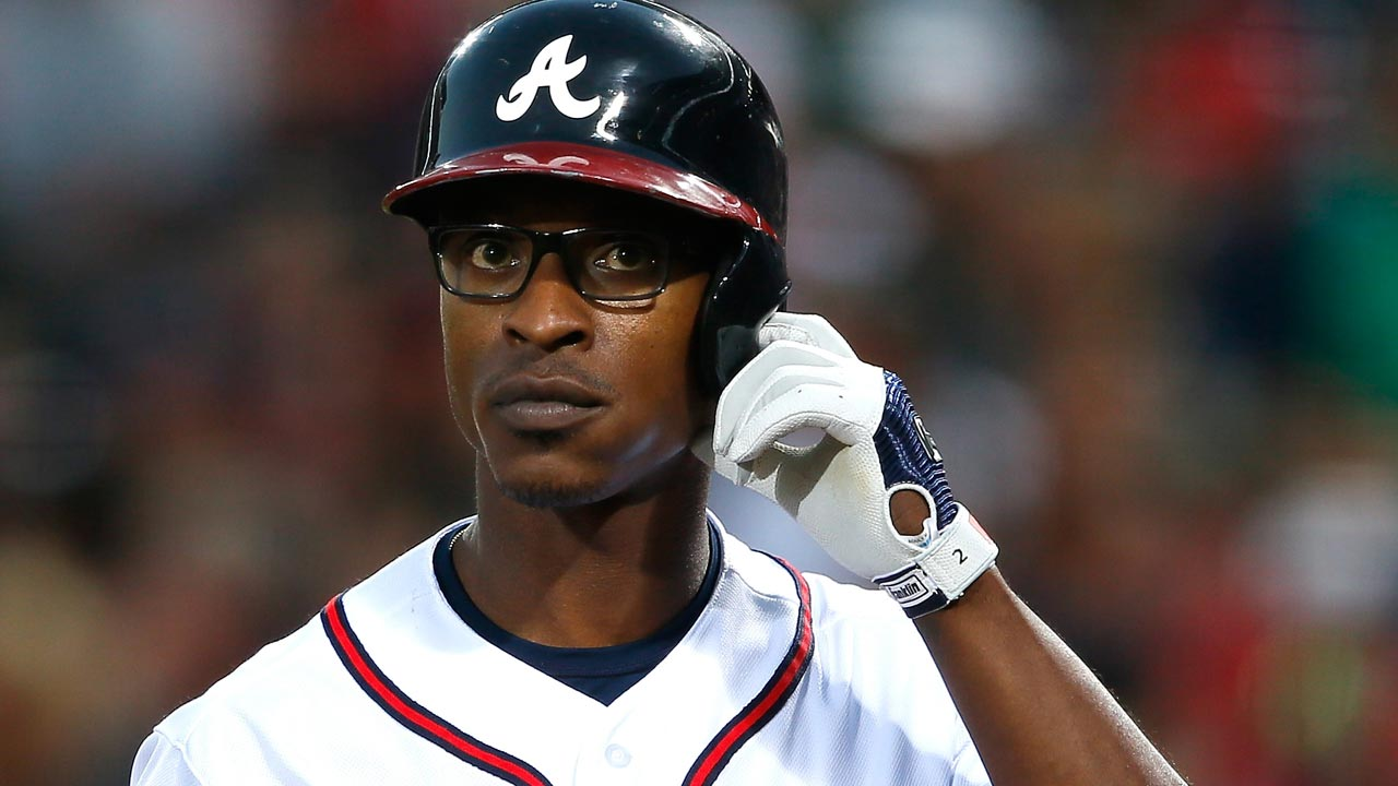 B.J. Upton wears glasses for first time in career