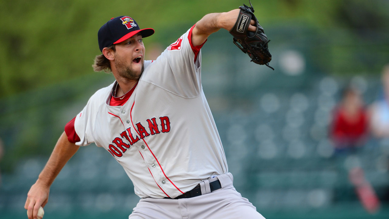 Reliever Martin reaches big leagues for first time