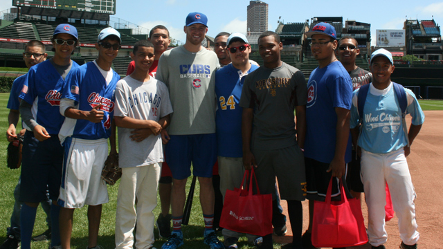 Cubs send kids positive message at PLAY event