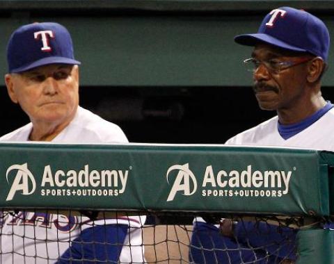 Rangers despiden a los coaches Moore y Anderson