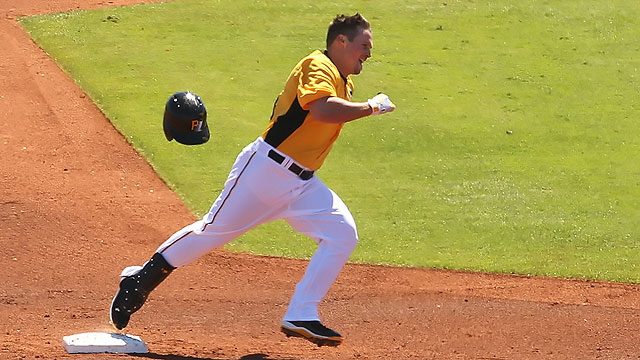 Snider looks to wipe slate clean with Pirates