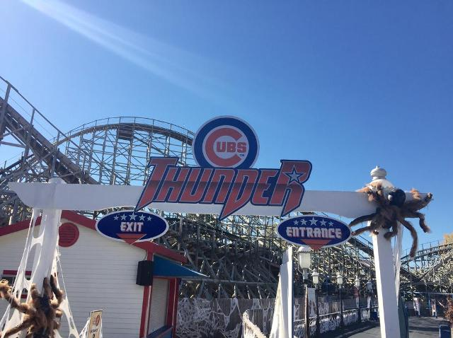 After Losing Bet St Louis Amusement Park Renames Roller Coaster In Honor Of Cubs