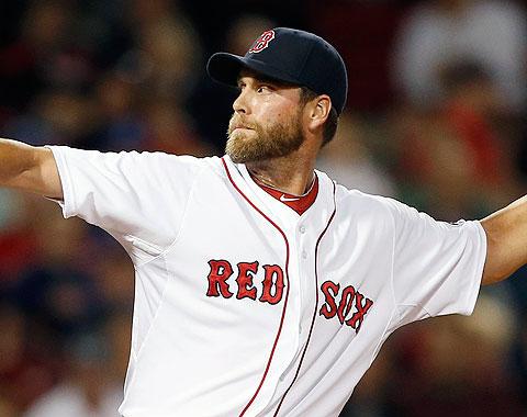 Matt Thornton pacta por dos años con los Yankees