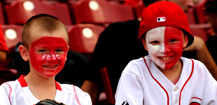 Students at a Reds game