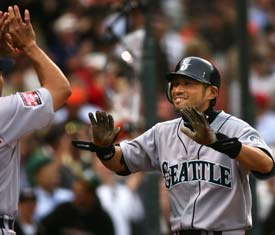 Ichiro Suzuki hit a two-run inside-the-park homer in the fifth inning for the American League.