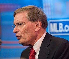 Commissioner Bud Selig responds to a fan's question at his Town Hall chat.