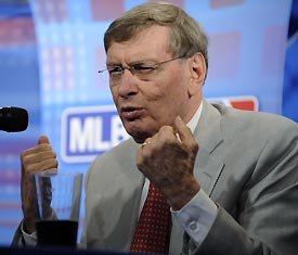Bud Selig explained MLB's partnership with Stand Up To Cancer at Fan Fest.