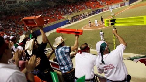 Comparten su pasión por el béisbol