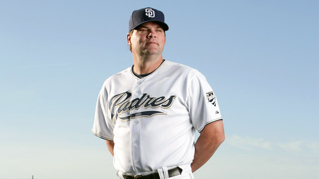 Bullpen coach Akerfelds battling cancer