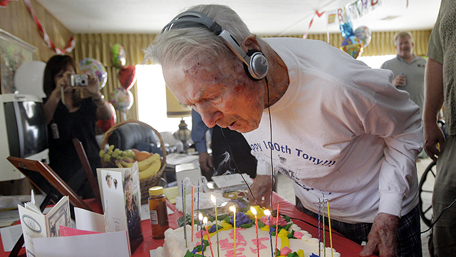 Malinosky, oldest living player, dies at 101