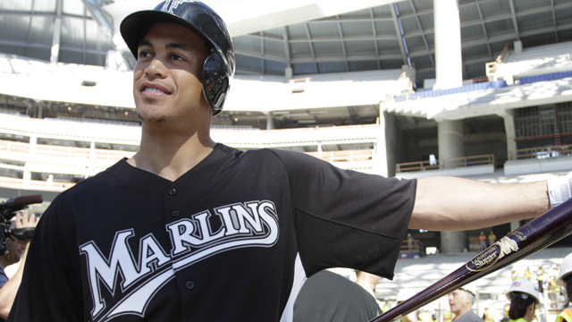 Stanton sidelined with right quad strain