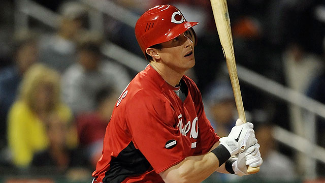 Stubbs' three-run smash lifts Reds past Royals