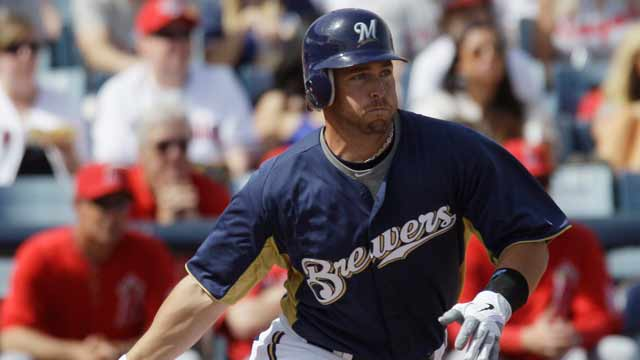 Gomez fuels offense as Brewers drop Royals