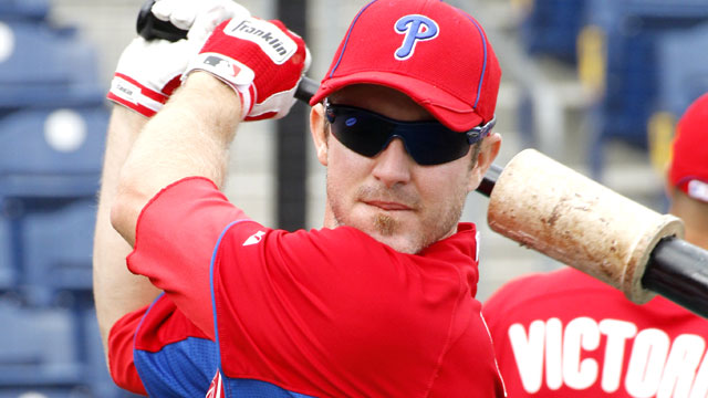 Utley leaves Phils camp to see specialist