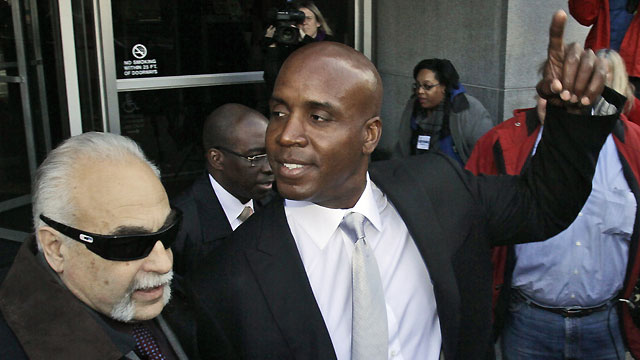 barry bonds head before after. Barry Bonds leaves the federal