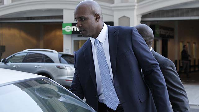 Bonds trial put on hold due to juror illness