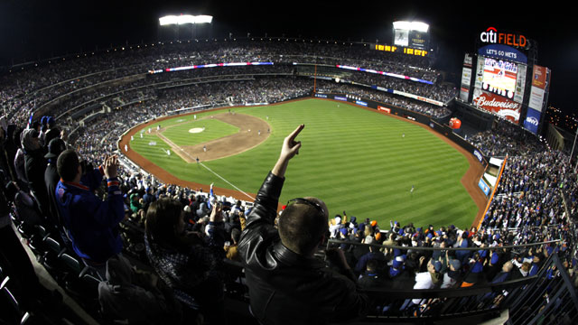 Mets taking 'serious look' at Citi Field changes