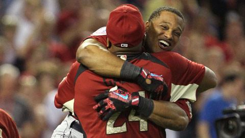 Robinson Jose Cano hug it out