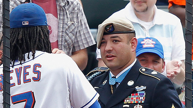 Mets honor Medal of Honor recipient Petry