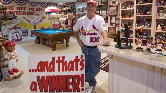 All signs point to fan's Redbirds allegiance