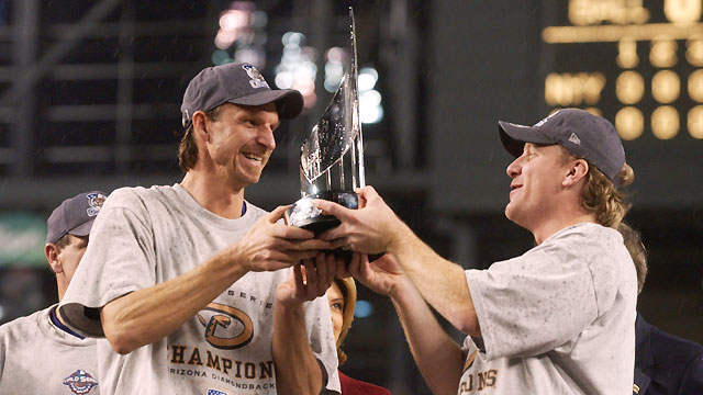 Ceremony to reunite 2001 World Series team
