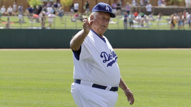 Lasorda to be Dodgers coach on Thursday