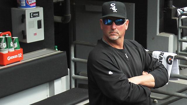 Walker steps down as White Sox hitting coach