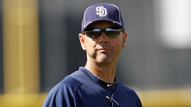 Padres dismiss hitting coach Ready